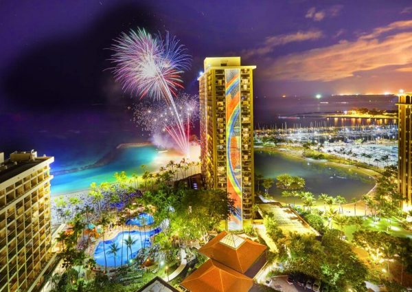 Hilton-Hawaiian-Villages-Friday-Night-Fireworks-1024x705