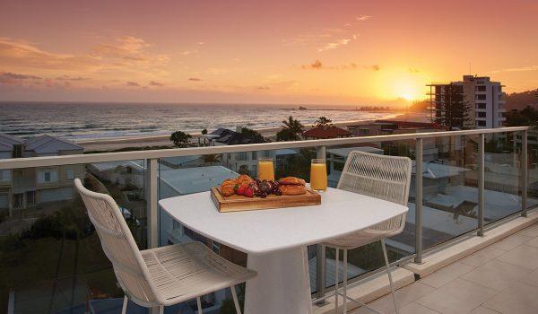 surf-life-saving-draw-204-palm-beach-apartment-balcony
