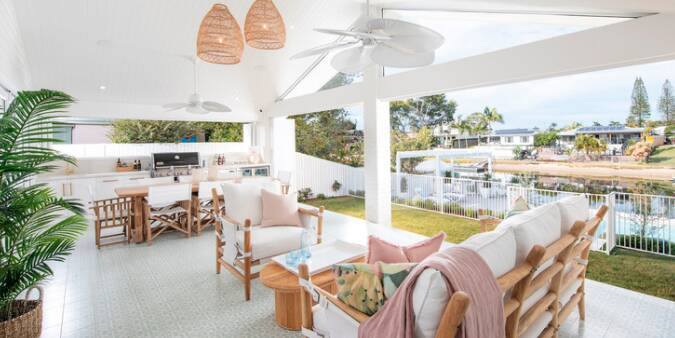 yourtown-prize-home-draw-509-mermaid-waters-outdoor-dining